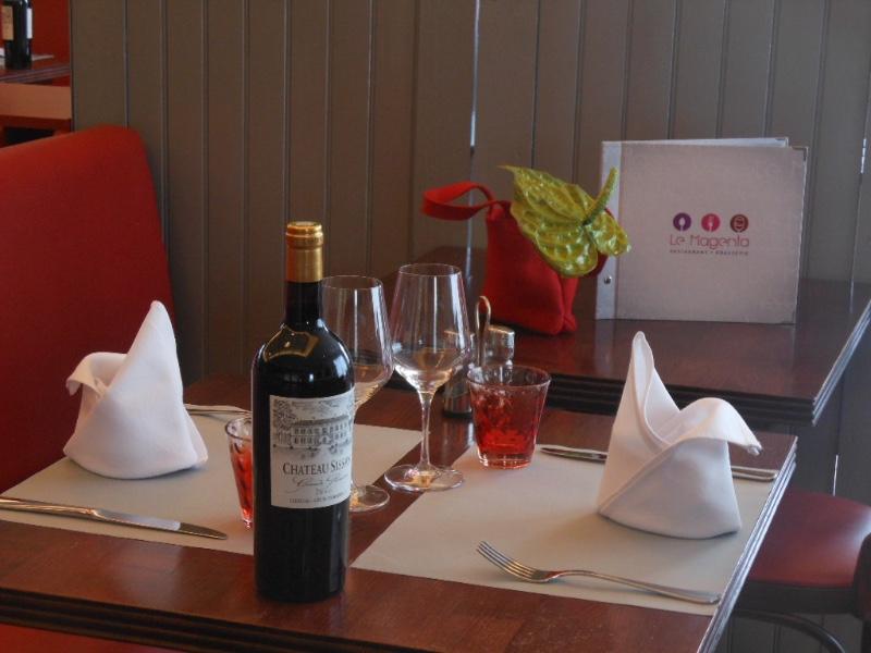 photo-Table-Magenta